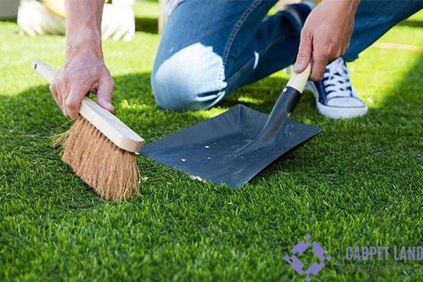روشهای تمیز کردن چمن مصنوعی